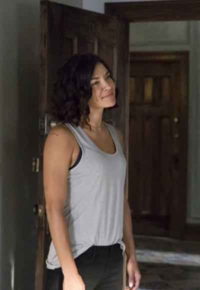 Jessica Szohr as Nessa - Shameless Season 8 Episode 1