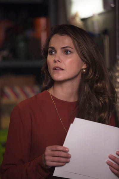 Elizabeth Looks at Her Work - The Americans Season 5 Episode 7