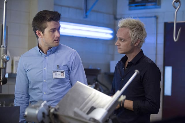 Major in Trouble - iZombie Season 1 Episode 12