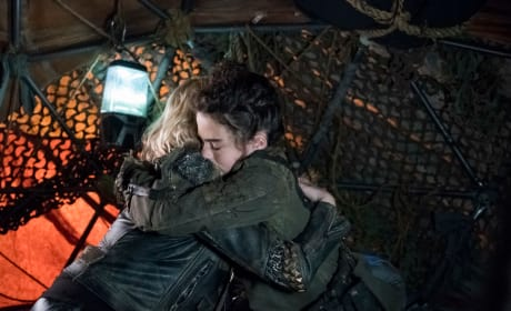Clarke and Madi Embrace - The 100 Season 5 Episode 6