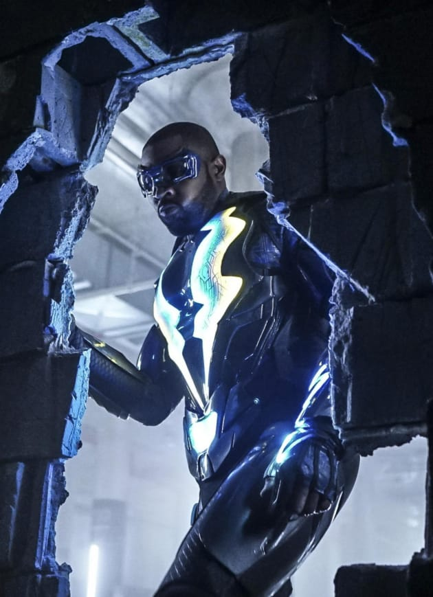 Jefferson Smashes a Wall - Black Lightning Season 1 Episode 10
