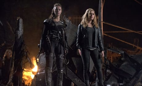 Ruins - The 100 Season 2 Episode 13