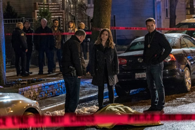 Murder investigation chicago pd season 4 episode 20