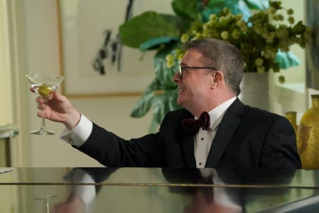 Pepper Toasts Phil - Modern Family Season 10 Episode 14