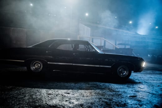Impala goes on a night drive - Supernatural Season 12 Episode 17