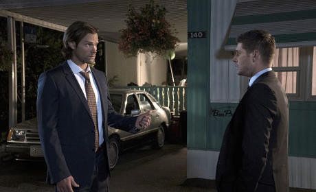 Sam and Dean hatching a plan - Supernatural Season 11 Episode 5