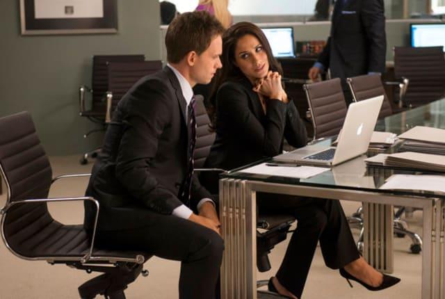 watch suits season 2 online free