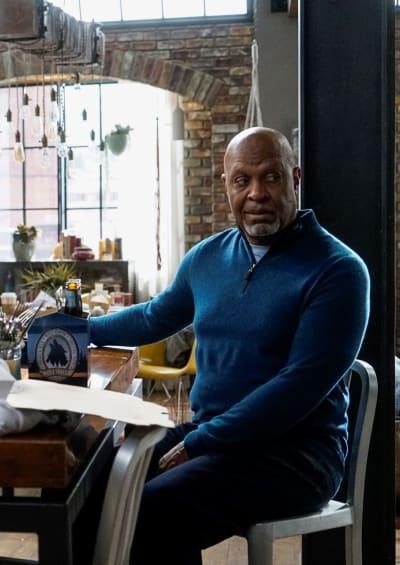 Webber Unemployed - Tall - Grey's Anatomy Season 16 Episode 1