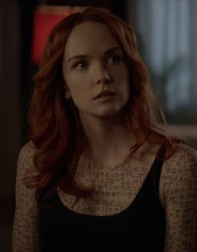 Stephanie Brown - Batwoman Season 2 Episode 13