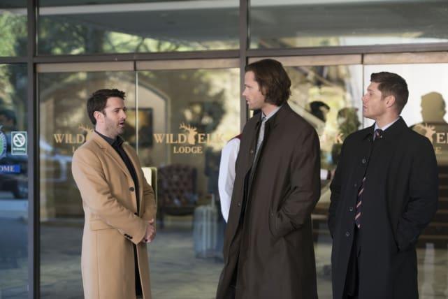 Mick gives out the details - Supernatural Season 12 Episode 16