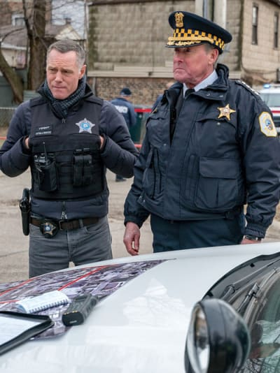 Political Tug of War - Chicago PD Season 6 Episode 18