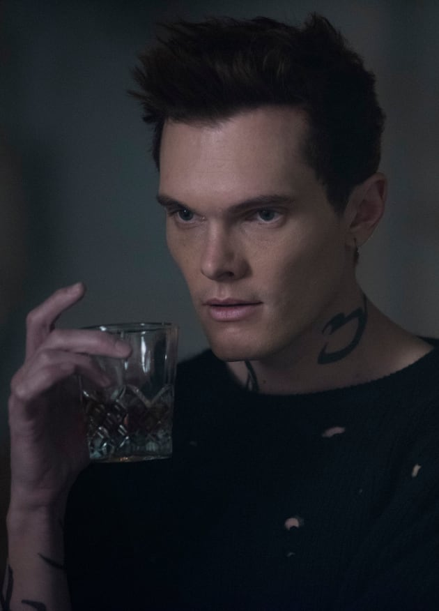 Strong Drink - Shadowhunters Season 3 Episode 14