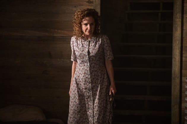 A creepy woman - Supernatural Season 12 Episode 4