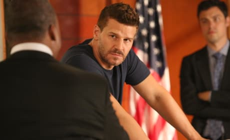 Booth Returns to Work at the FBI - Bones Season 10 Episode 1
