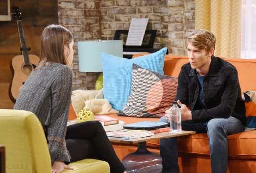 Jade Moves in With Tripp - Days of Our Lives