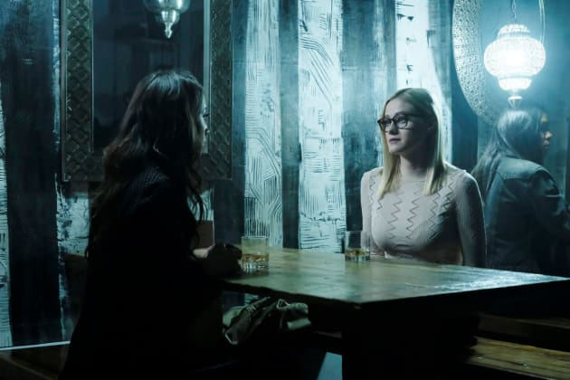 Julia and Alice Have A Chat - The Magicians Season 3 Episode 5