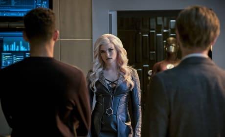 Killer Frost Drops By - The Flash Season 3 Episode 21