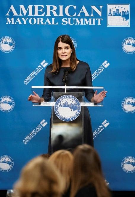 Stephanie's Speech - Tall  - Pearson Season 1 Episode 8