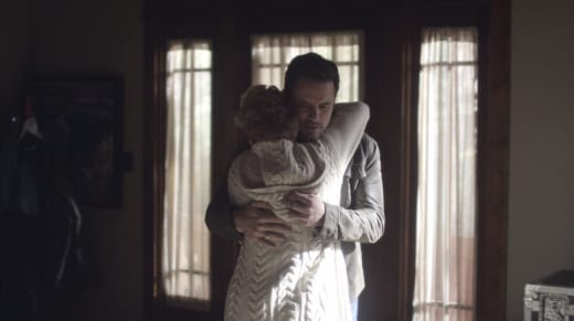 Deacon and Scarlett hug - Nashville Season 5 Episode 8