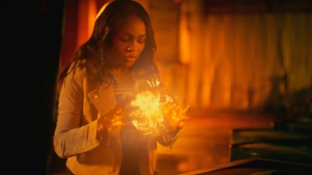 Inner Energy - Wide - Black Lightning Season 2 Episode 8