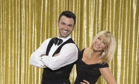 Suzanne Somers and Tony Dovolani - Dancing With the Stars