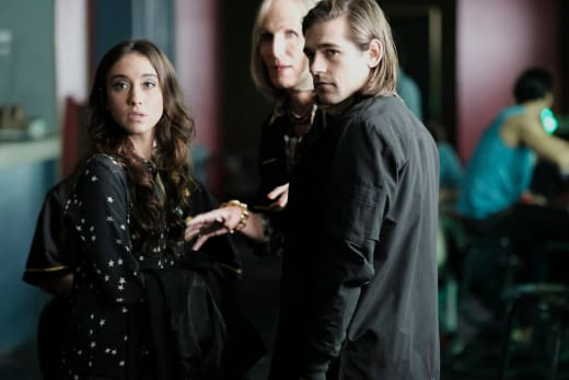 Quentin and Julia are on the case - The Magicians Season 2 Episode 11