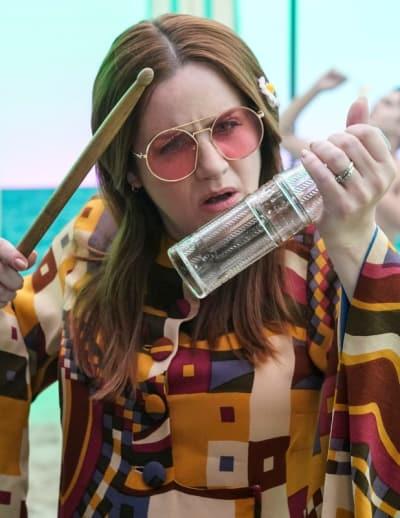 Paula Dancing - Crazy Ex-Girlfriend Season 4 Episode 6
