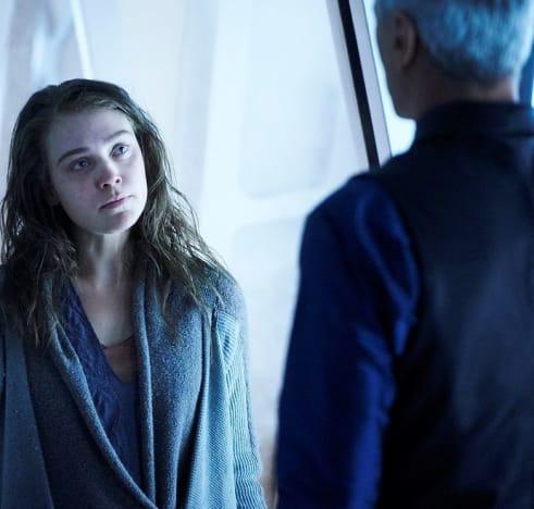 Another Lady -- Tall - Killjoys Season 5 Episode 2