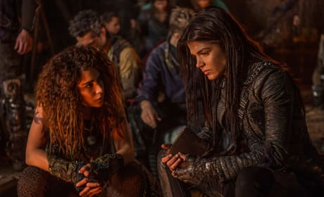 Discussing Lincoln - The 100 Season 3 Episode 14