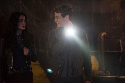 Going Underground - Shadowhunters Season 3 Episode 12