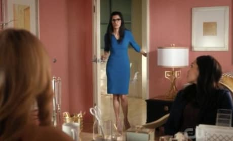 Petra's Assistant - Jane the Virgin Season 4 Episode 13
