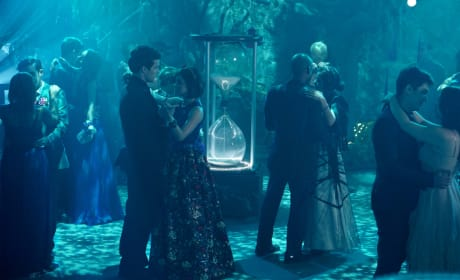 Is Everything Falling Into Place? Pretty Little Liars Season 6 Episode 9
