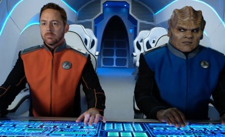 Malloy and Bortus - The Orville Season 2 Episode 4
