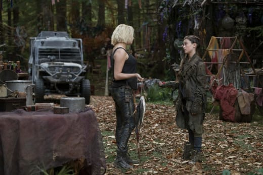 Clarke and Madi surviving  - The 100