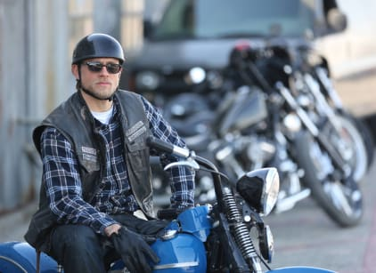 Watch Sons of Anarchy Season 7 Episode 13 Online