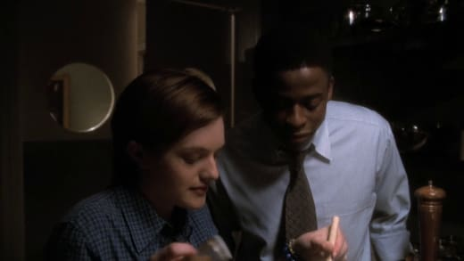 Charlie Meets Zoe - The West Wing Season 1 Episode 5