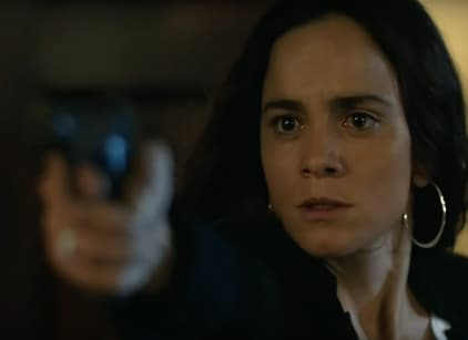 Watch Queen of the South Season 2 Episode 10 Online