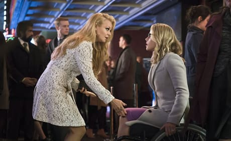 Smoaky Ladies - Arrow Season 4 Episode 14