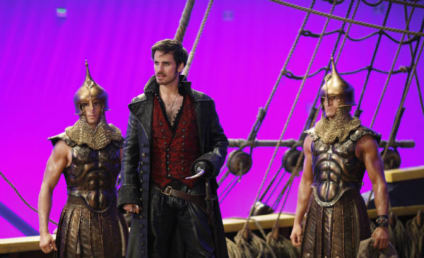 Colin O'Donoghue Teases Hook/Ursula Past, Captain Swan Troubles & More!