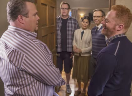Watch Modern Family Season 7 Episode 13 Online