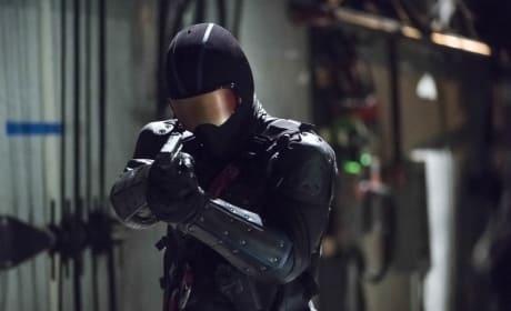 Who Is Vigilante - Arrow Season 6 Episode 5