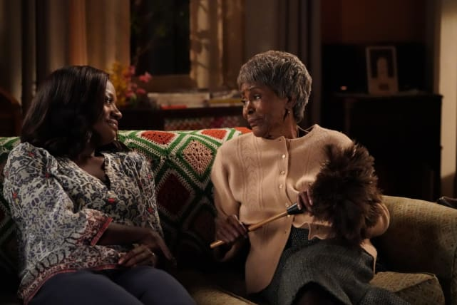 A Reunion - How to Get Away with Murder Season 4 Episode 1