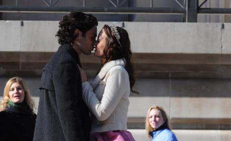 Dan and Blair Kiss!