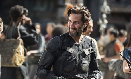 Kane Smiling - The 100 Season 3 Episode 3