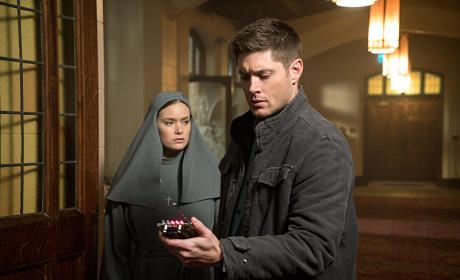 Dean Investigates - Supernatural Season 10 Episode 16