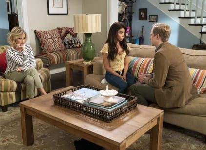 Watch Modern Family Season 10 Episode 4 Online