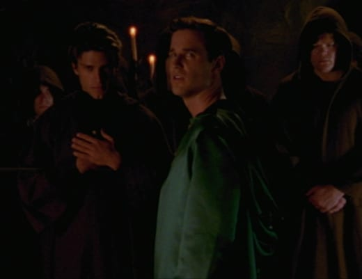 Frat Boy Cult - Buffy the Vampire Slayer Season 2 Episode 5