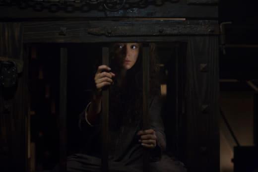 A Caged Witch - Salem Season 3 Episode 10