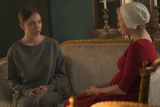 Woman to Woman - The Handmaid's Tale Season 2 Episode 6