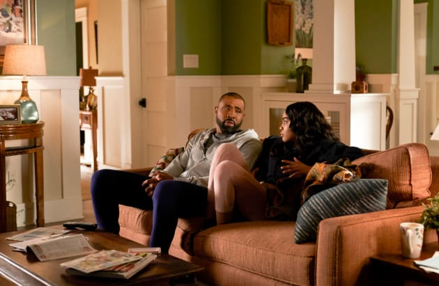 A Father-Daughter Chat - Black Lightning Season 1 Episode 5